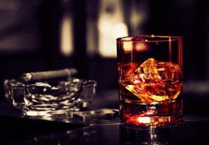 Табакокурение и алкоголь - факторы, повышающие риск заболевания